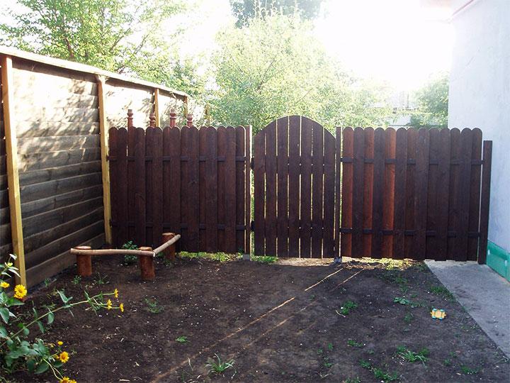 Декоративная ограда с калиткой