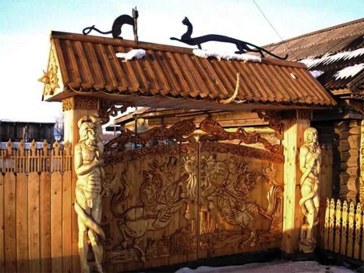 Декоративные резные ворота