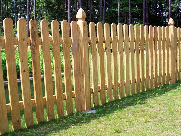 Деревянный забор из доски