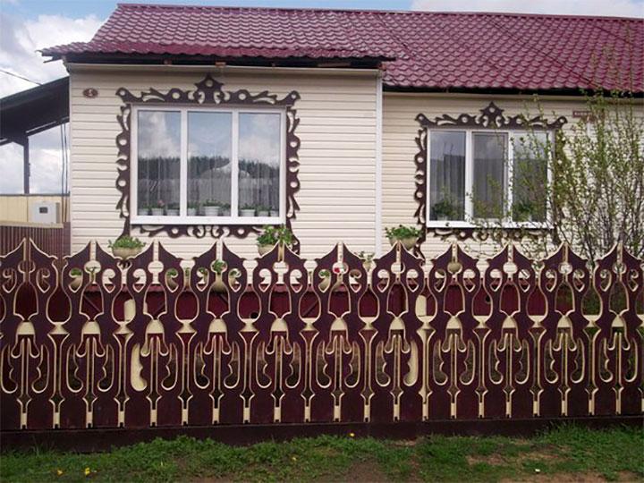 Забор из готовых резных секций