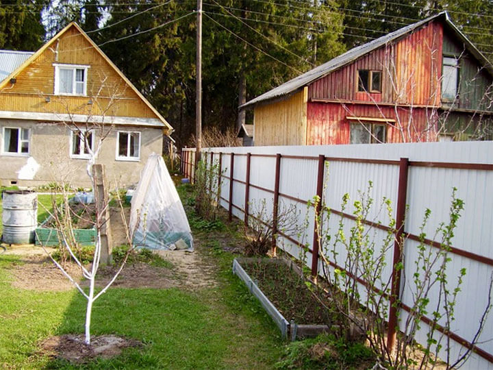 Забор между соседними участками