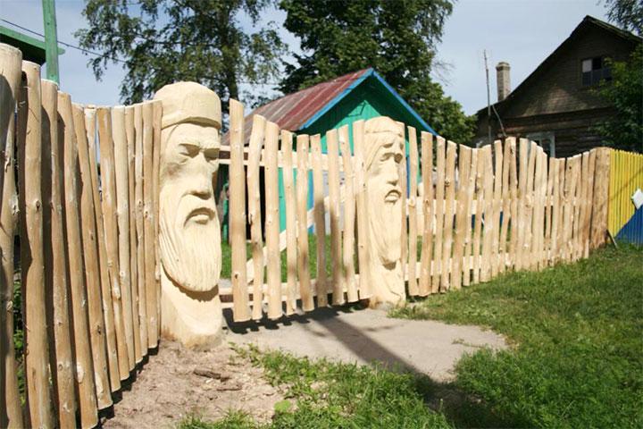 Забор в древнерусском стиле