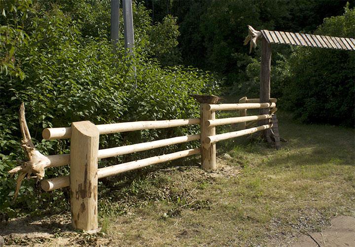 Деревянный забор в стиле кантри