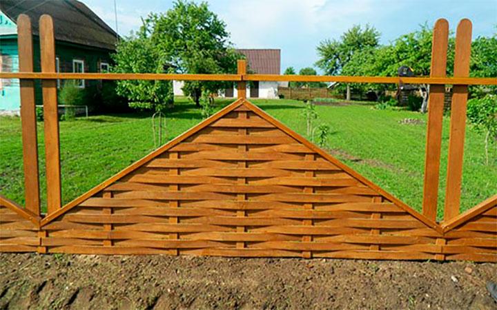Комбинированный забор-плетенка