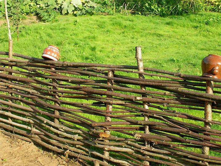 Забор в стиле кантри