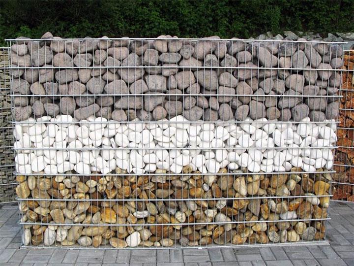 Вариант наполнения габиона камнями