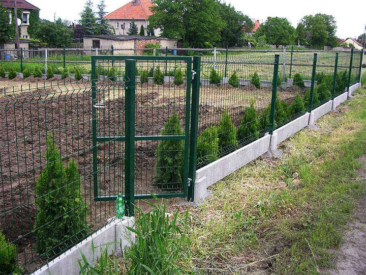 Ограда для участка из сетки гиттер