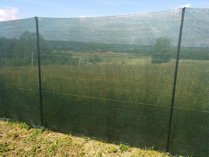 Ограда из затеняющей сетки