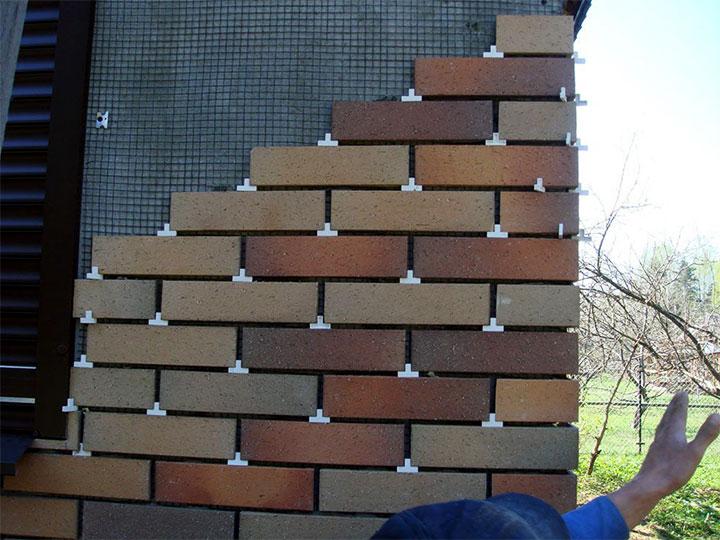 Отделка фасада дома клинкерным кирпичом