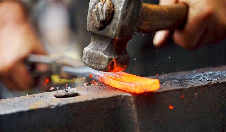 Процесс ручной ковки