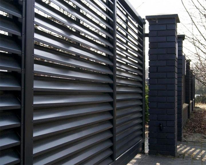 Ворота из металлических ламелей