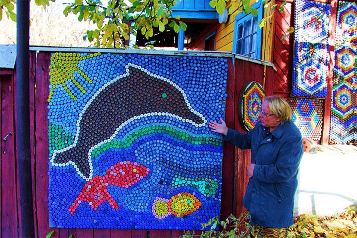 Мозаика из пластиковых крышек