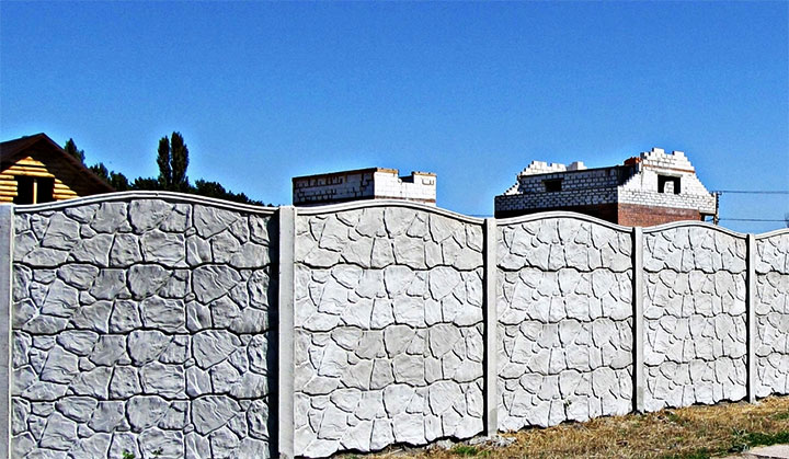 Монтаж и установка бетонного забора своими руками