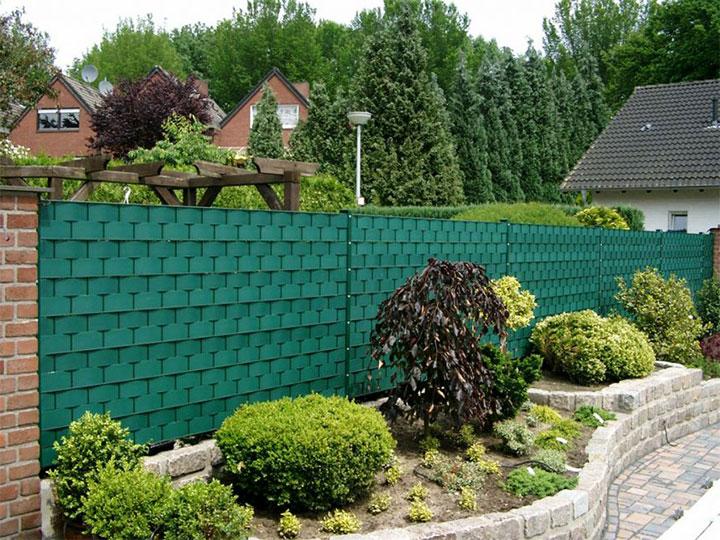 Забор из бордюрной ленты