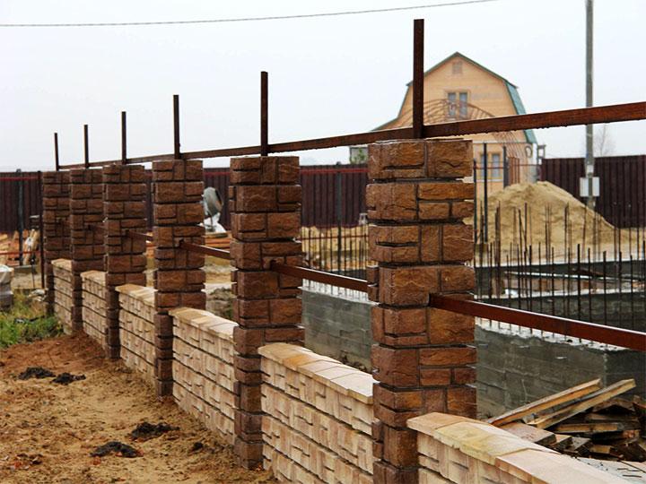 Заборные столбы из блоков