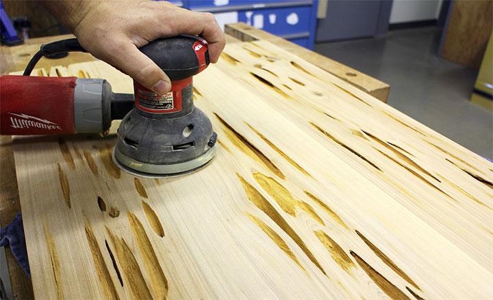 Обработка древесины шлифмашинкой