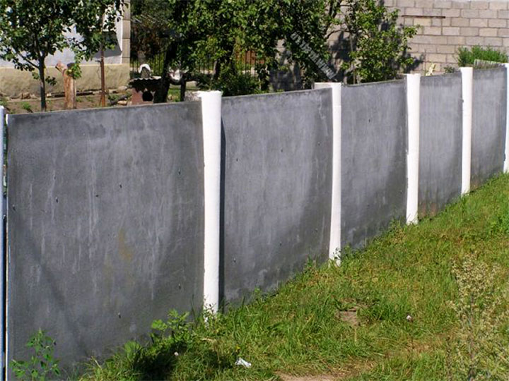 Ограда из плоского шифера без обрамления