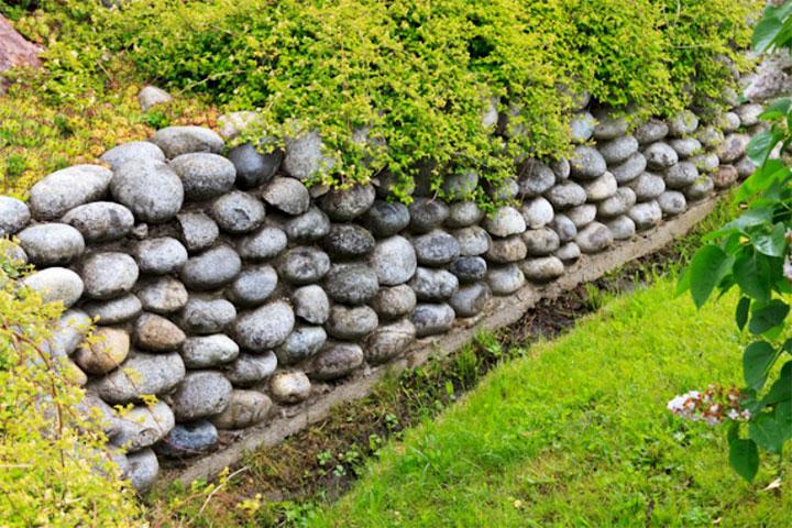 Декоративный заборчик из натурального камня