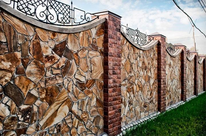 Каменная ограда для дома