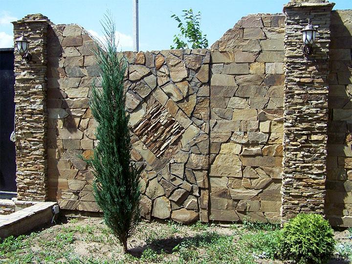 Ограда из искусственного камня