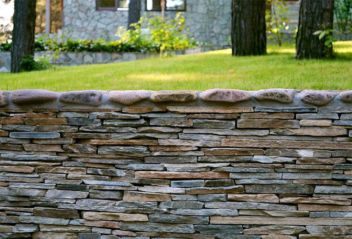 Плоская горизонтальная кладка камня