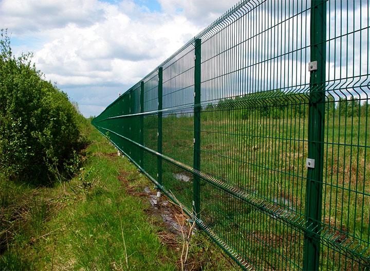Бюджетный забор из сварной сетки