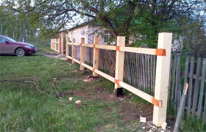 Каркас для ограды из дерева