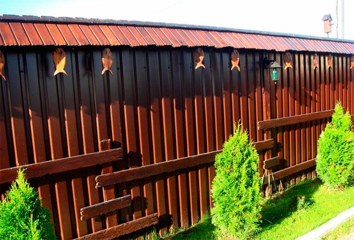 Деревянный забор в ландшафтном дизайне