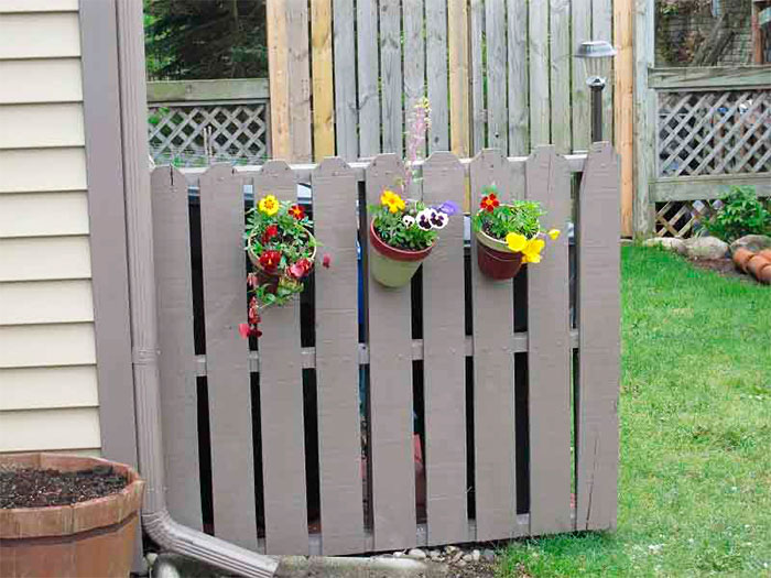 Поддоны в качестве ограды
