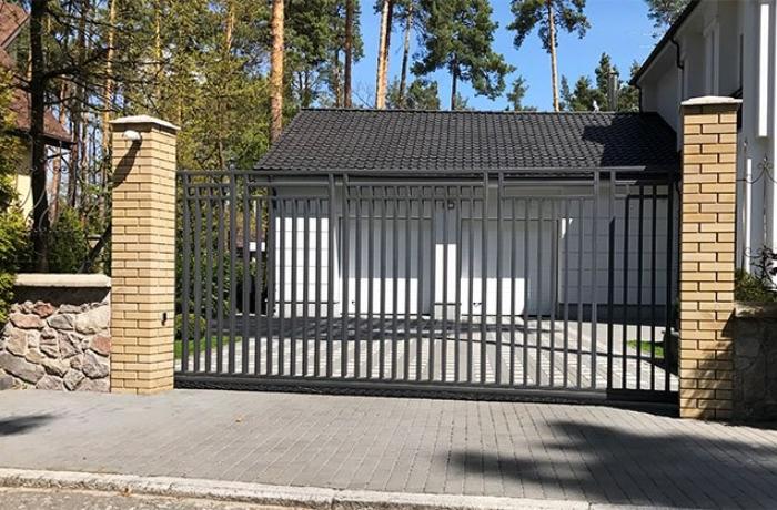 Ворота из металлического профиля