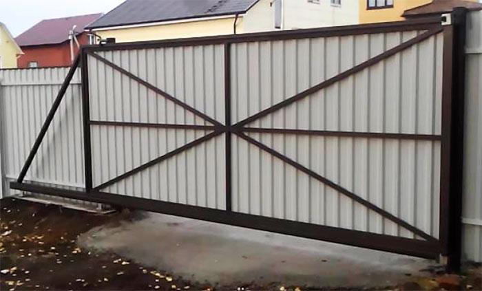 Ворота и забор из металлопрофиля