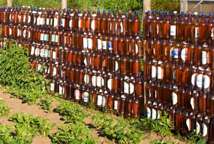 Забор из пивных бутылок