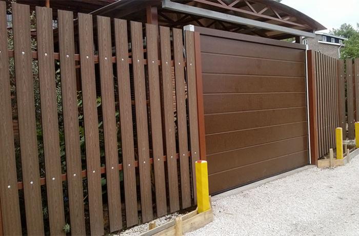 Стильный забор из доски