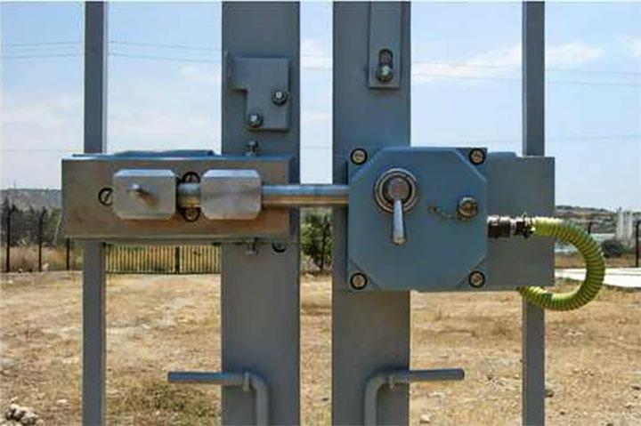Электромеханический замок для ворот