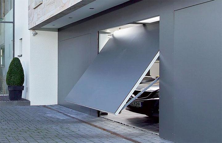 Поворотно-откидные гаражные ворота