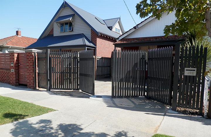 Ворота-гармошка для дачи