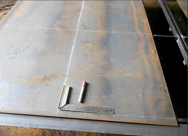 Разметка металлических листов для створок ворот