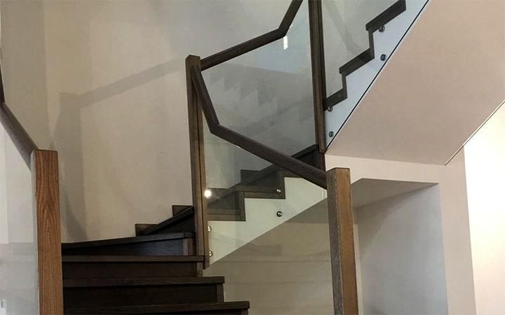 Комбинированная лестница между этажами