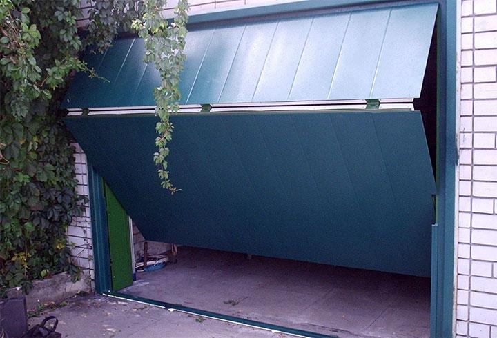 Складные ворота для гаража