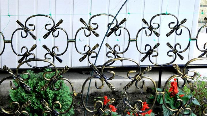 Декоративный кованый заборчик